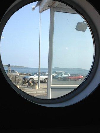 Kilmore, Ireland: Porthole window view
