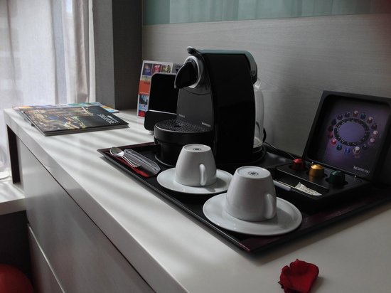 The Quincy Hotel by Far East Hospitality: coffee machine