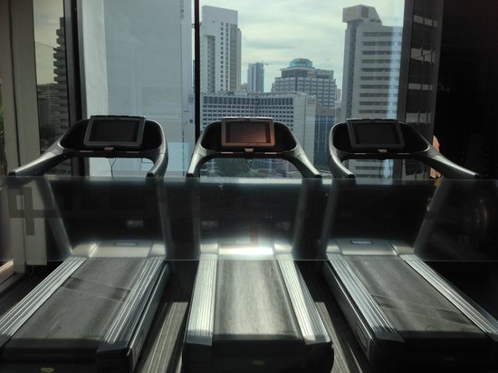 The Quincy Hotel by Far East Hospitality: gym