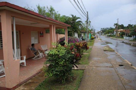 Villa Los Reyes : Veranda in front