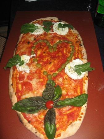 Napoli & Napoli : 1/2 metro di pizza