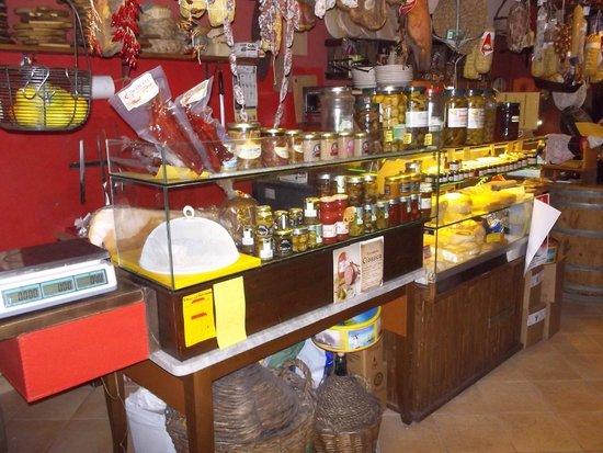 Vineria La Fraschetta: piccola panoramica punto vendita