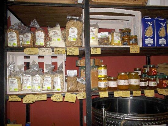 Vineria La Fraschetta: legumi miele e marmellate