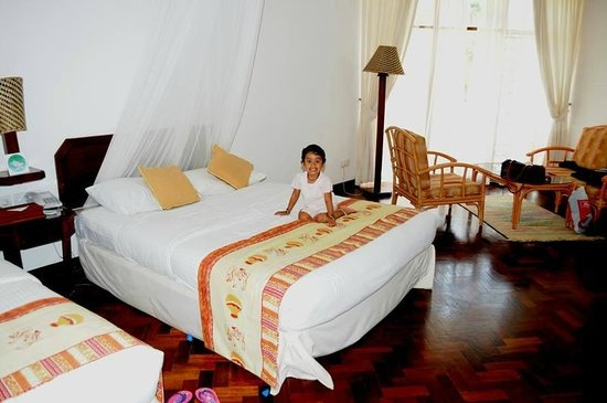 Amani Tiwi Beach Resort : Inside room