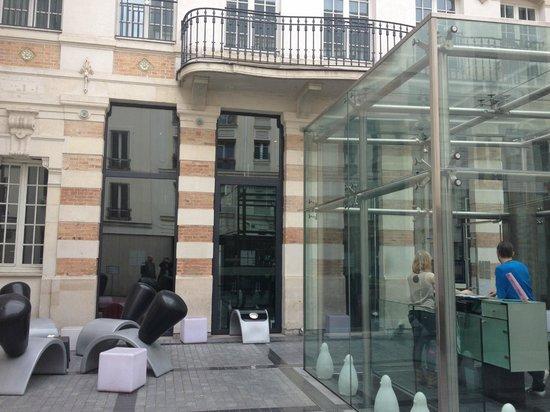 Kube Hotel : Entrance