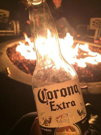 Timber Cove Inn: Firepit