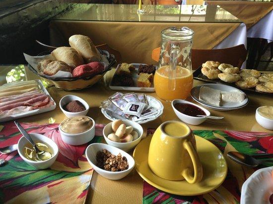 Pousada Terra da Luz: Café da manhã sem igual!