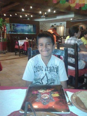 Los Chilaquiles Restaurante: mi hijo en los Chilaquiles