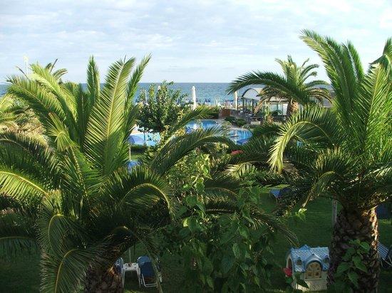 Marino's Beach Hotel Apartments: Вид на море с балкона