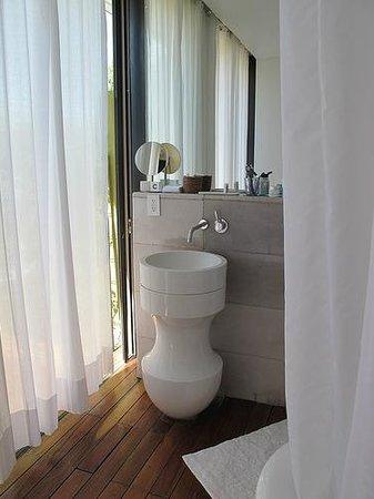 Condesa DF: Bathroom sink