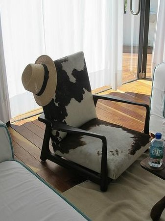 Condesa DF : inside :: funky chair