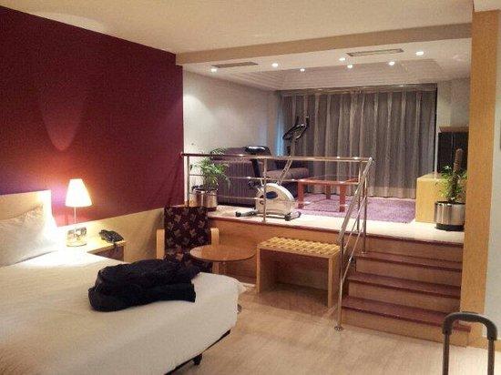 Ibis Styles Madrid Prado: Suite con jacuzzi