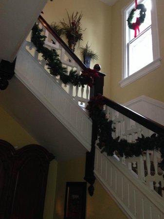 Biltmore Village Inn: Staircase