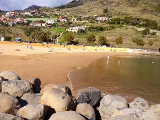 White Waters Hotel: Пять минут и ты на отличном пляже