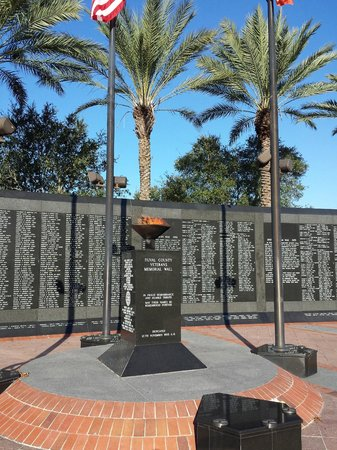 Veterans Memorial Wall: Memorial