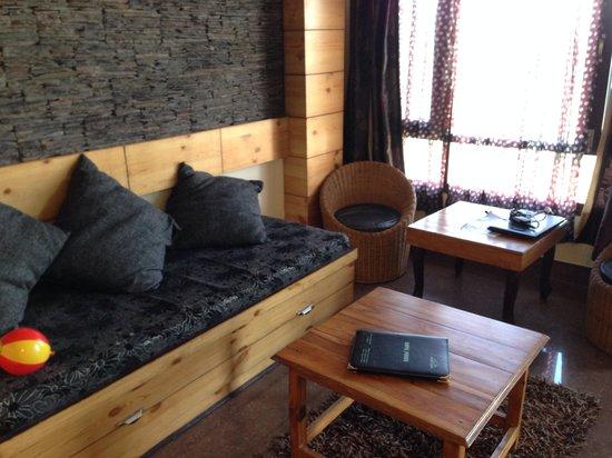 Kapil Hotel: Delux suite- clean, modern comfy