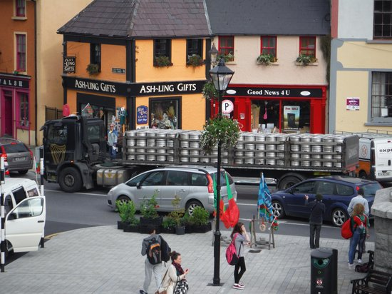 The Wyatt Hotel: plenty of pubs to walk to, with plenty of Guinness