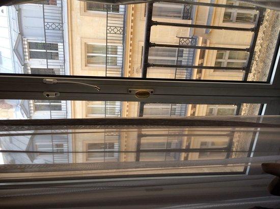 The Westin Paris - Vendome: Chic door to the balcony