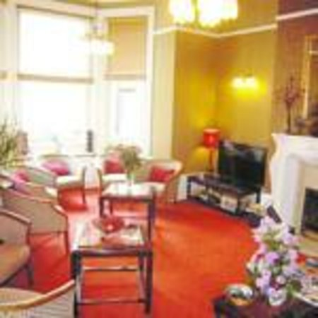 The Sherwood: Guest lounge with TV, games, magazines and tourist information