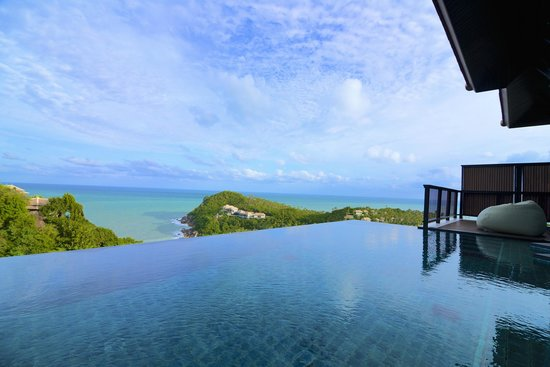 Banyan Tree Samui: pool with a view