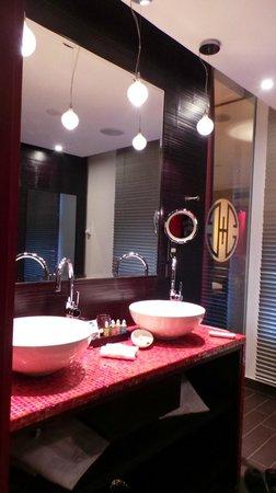 Buddha-Bar Hotel Prague : Bathroom