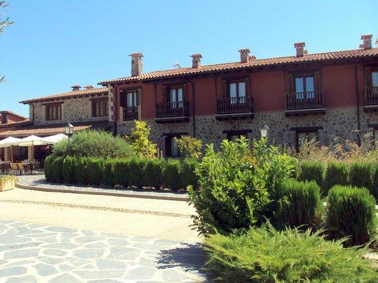 El Balcon de la Vera Hotel Restaurante: Fachada principal del hotel-restaurante.