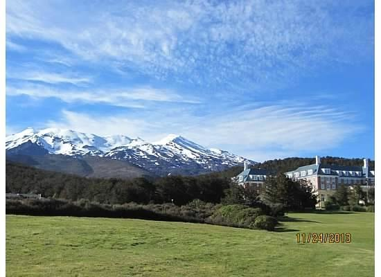 Chateau Tongariro Hotel : Hotel & Mtns from the Golf Course