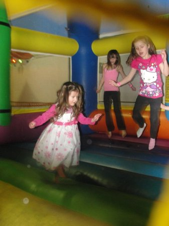 Lollipop Park : bouncy house was a blast for all ages!