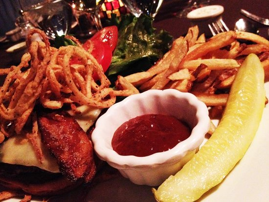 The Dorset Inn: Bacon Burger