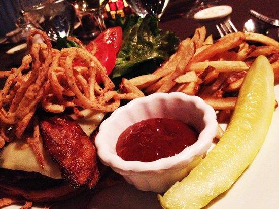 Dorset Inn: Bacon Burger