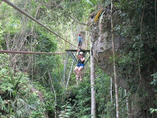 Calico Jack's Belize Jungle Canopy and Zip Lining: Zipping through the jungle