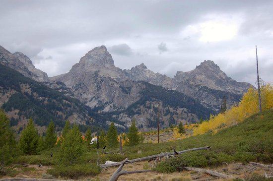 Wildflower Lodge at Jackson Hole: View on Taggart Lake hike