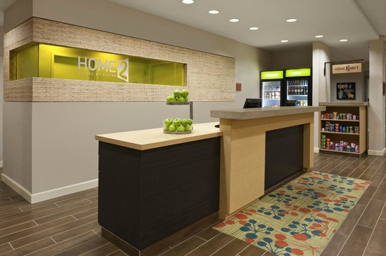 Home2 Suites by Hilton Jackson/Ridgeland: Front Desk