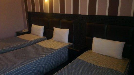 Hotel Akouas: CHAMBRE