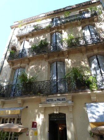 Hotel du Palais: Facade prise cet été lors d'un premier voyage ...