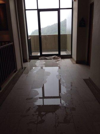 Avista Hideaway Phuket Patong, MGallery by Sofitel: Rainy days...