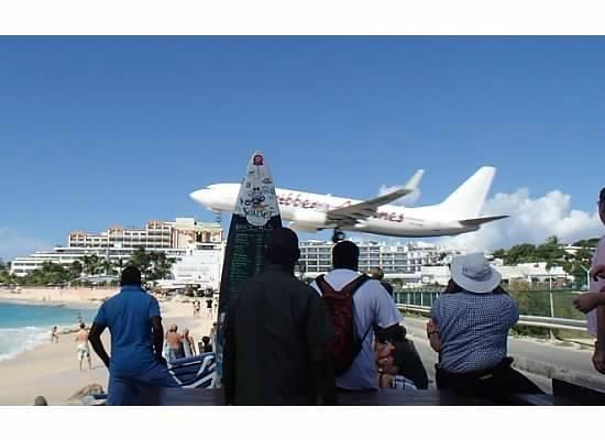 take off - Bild von Maho Beach, Maho - TripAdvisor
