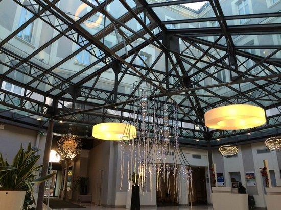 Novotel Toulouse Centre Wilson : nice lobby