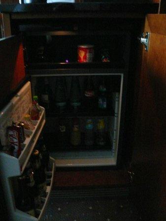 The Westin Grand Munchen : За отдельную плату набитый холодильник!