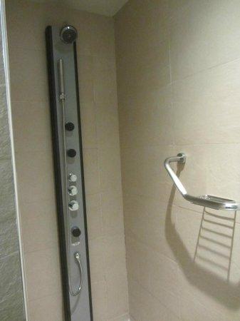 Itaca Hotel Jerez: Ducha