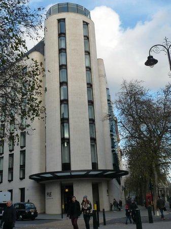 ME London: Ubicación inmejorable