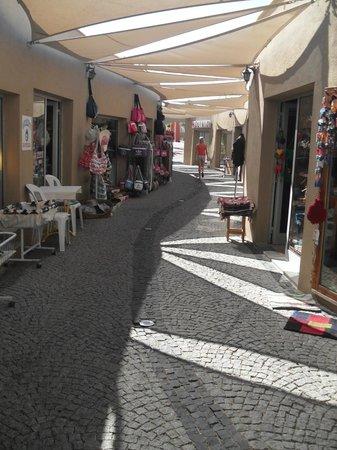 Ersan Resort & Spa: shopping center