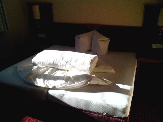 Hotel Garni Alpenjuwel : Einer der Schlafräume