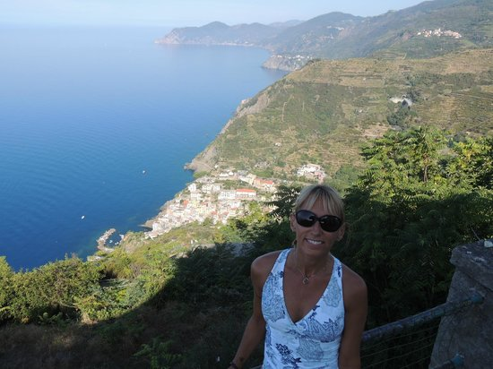 Trail 2: View of Riomaggiore from atop