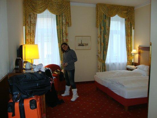 Hotel Kaiserhof Wien: Room