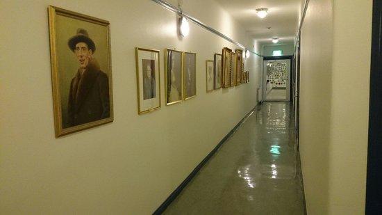 Drottning Victorias Orlogshem: Corridor