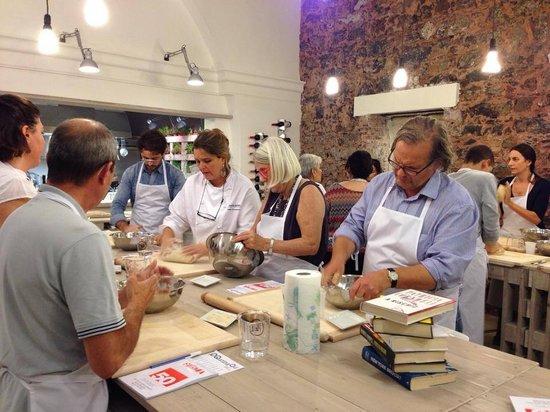Lezioni di cucina foto di qqucina qui catania tripadvisor - Corsi di cucina catania ...