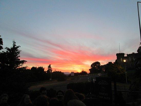 The Castle Tavern : Vista das mesas externas