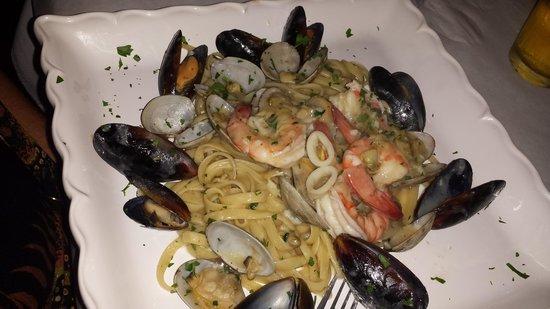 Antonio's Made in Italy : Fettuccine Pescatori