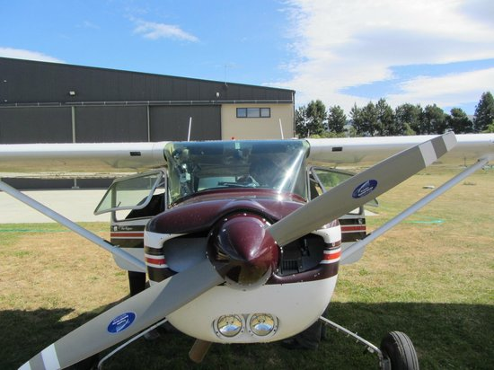 Southern Lakes Learn to Fly: Cessna 152 Sparrowhawk